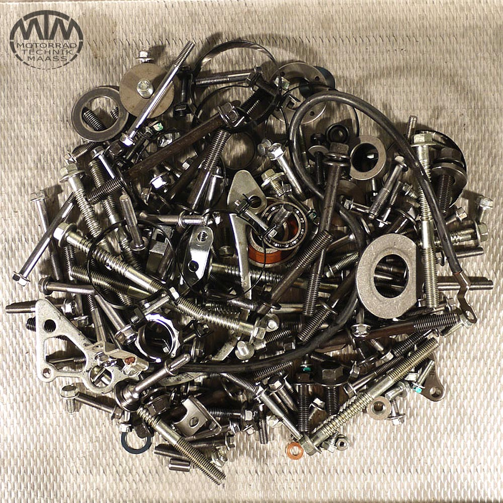 Schrauben & Muttern Motor Honda CBF1000 (SC58)